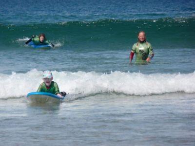 natalie surfing 1